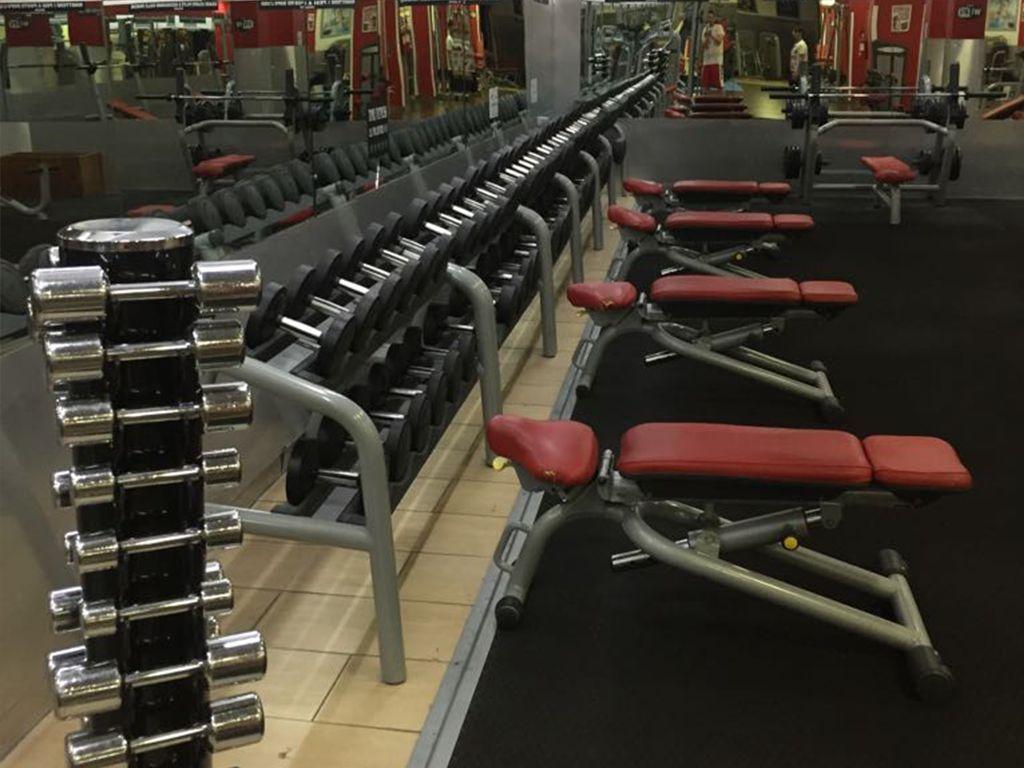 Time-Fitness-Palestre-Roma-attrezzature-pesi