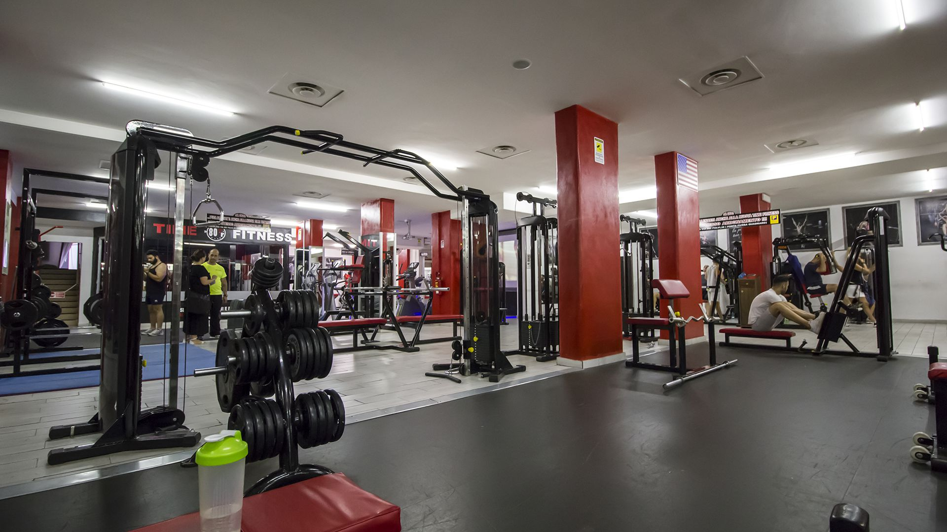 Palestra Time Fitness Sala PEsi con Personal Trainer