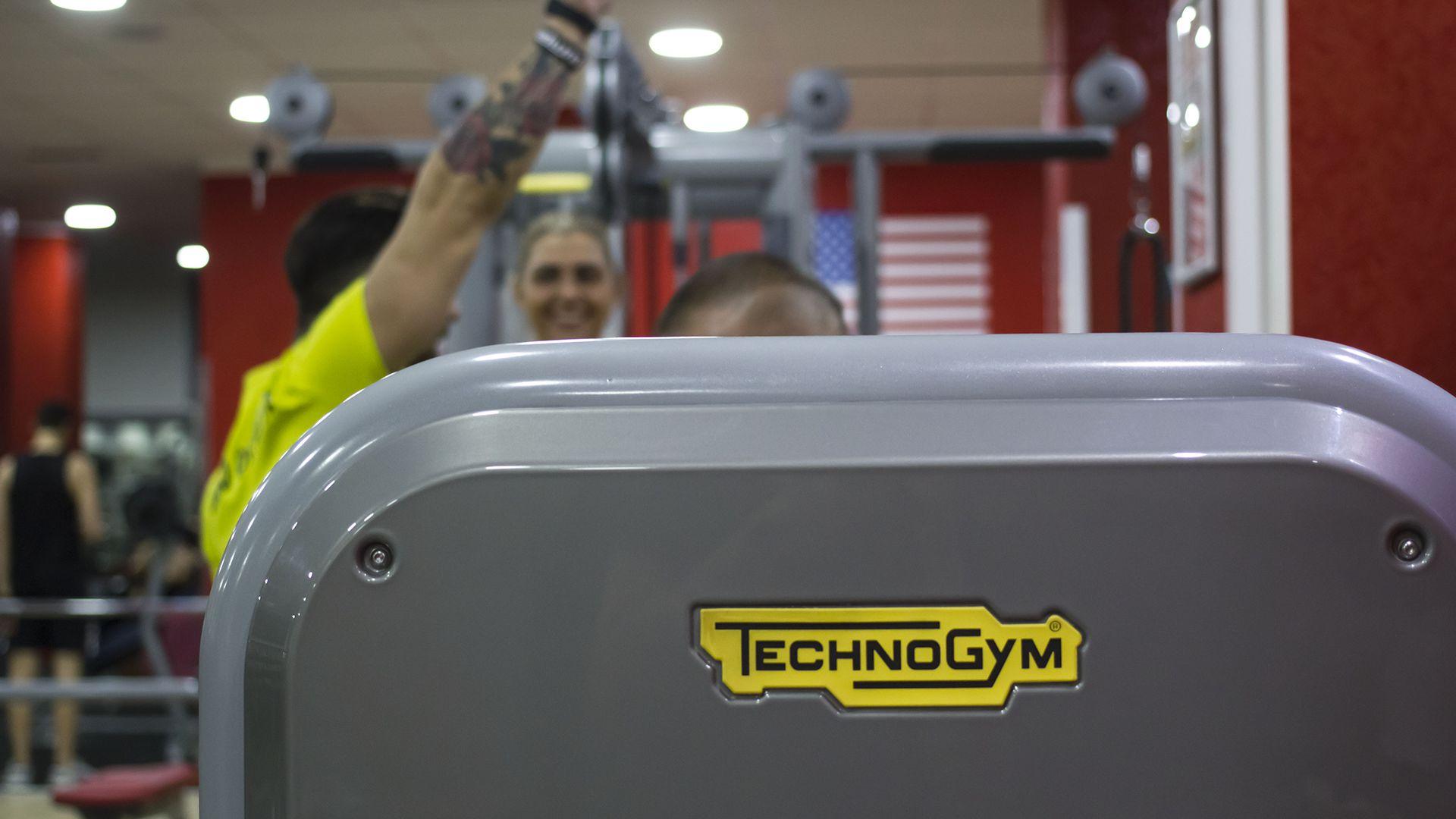 Personal Trainer e Attrezzatura Technogym Palestra Time Fitness Roma Quadraro
